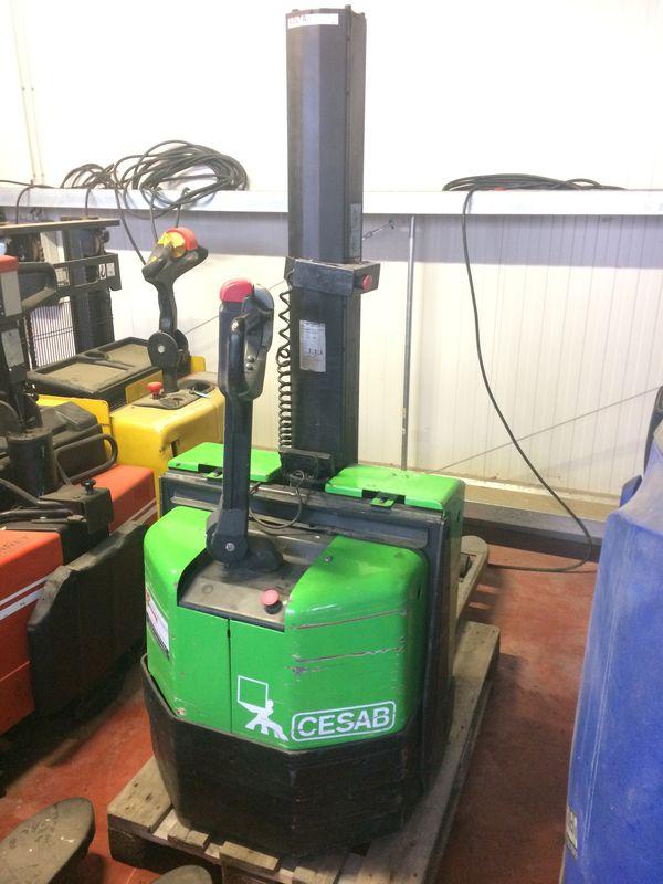 Gerbeur électrique accompagnant BT SWE080L- 1051